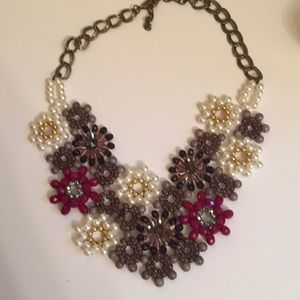 Jewelry - Gorgeous floral statement necklace